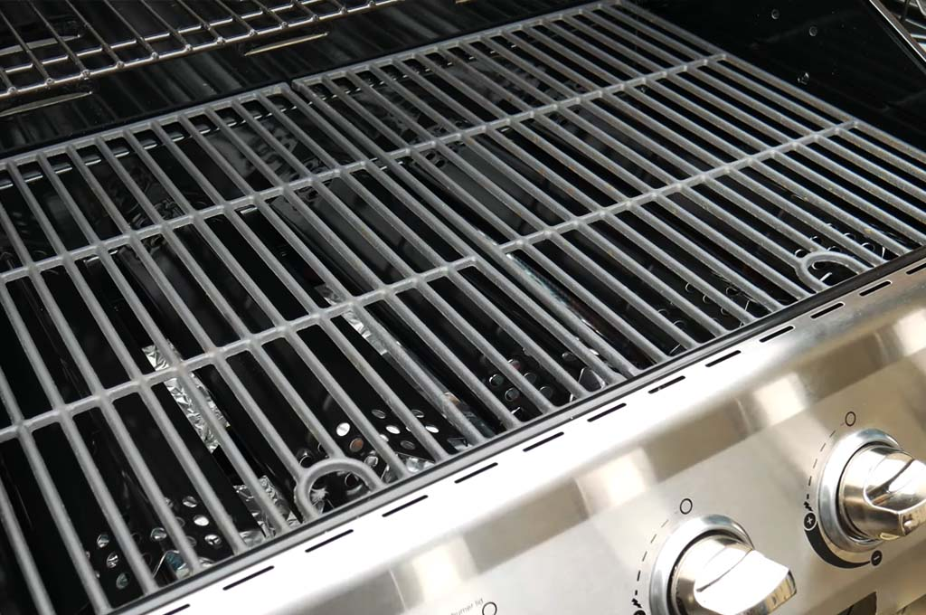 Seasoning Stainless Steel Grill Grates: Essential Guide